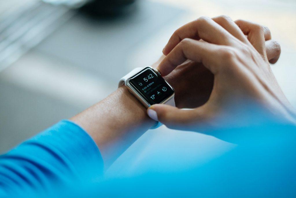 Proste aktywności fizyczne, które znacząco poprawiają stan zdrowia